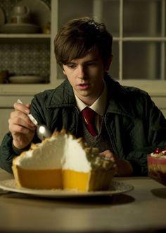"| Freddie Highmore in ""Toast"" |"