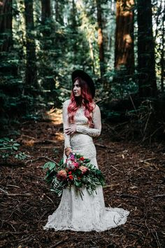 Hip, chic, earthy bridal style | Image by Erin Wheat Photography