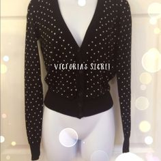 Victoria's Secret Cropped Cardi Victoria's Secret Cropped Button front Cardi in great condition! Long skinny sleeves, 100% soft cotton, black with white polka dots. Victoria's Secret Sweaters Cardigans