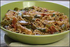 HG's Vampire-Proof Chicken 'n Veggie Pasta, just 7 points+ for half the recipe!