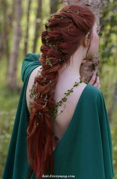 27 Herr Der Ringe Inspiriert Hochzeits Ideen 27 Lord of the Rings Inspired Wedding Ideas Elvish Hairstyles, Medieval Hairstyles, Fancy Hairstyles, Everyday Hairstyles, Bride Hairstyles, Hairstyles Videos, Weave Hairstyles, Straight Hairstyles, Medium Hair Styles