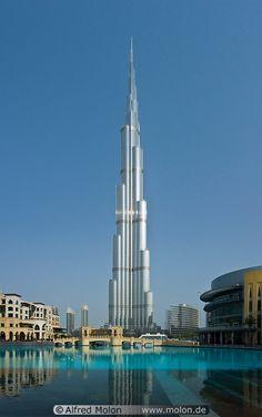 Tallest building in the world. Khalifa. Dubai, United Arab Emirates.