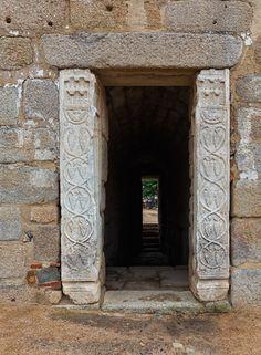 Fotografía Aljibe con pilastras visigodas por Eduardo Estellez en 500px