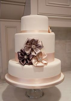 Simple idea Gorgeous Satin Ribbon rosettes with bling centres So easy even i can manage ! LOL