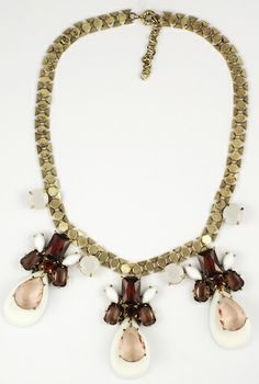 cute white necklace with burgundy stone http://www.totemshop.in.ua/collection/kolie/product/kolie-belyy-svet