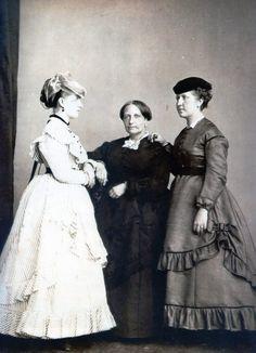 D. Teresa, D. Isabel e D. Leopoldina.