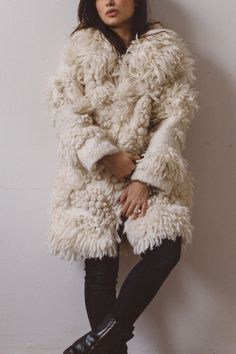 I had a lot of fun with this project, maybe because DHG's Plume Yarn just stimulates your creativity! Textiles, Winter Coats Women, Knitting Yarn, Upcycle, Fur Coat, Wool, How To Wear, Jackets, Felting