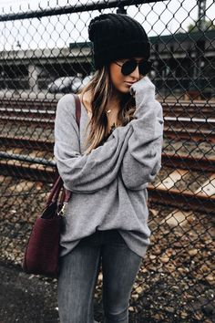 Beanie Outfit - / gray knit beanie Clothing, Shoes & Jewelry - Women - leggings o. Look Fashion, Fashion Outfits, Womens Fashion, Fashion Trends, Fashion Fall, Fashion Boots, Sweater Fashion, Sweater Outfits, Ladies Fashion