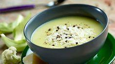 Zastanawiasz się, jak smakuje kremowa zupa z kalafiora i ziemniaków? Odwiedź Kuchnię Lidla i wypróbuj nasz przepis!