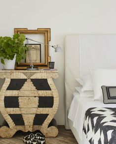 The black-and-white color palette in the master bedroom of this Italian villa gives it a polished crispness. Pillows and bedding are in Dedar fabrics and the black-and-white sandals are Sergio Rossi. Sea Bedrooms, Eclectic Bedrooms, Master Bedrooms, Master Suite, Bedroom Decorating Tips, Bedroom Ideas, Decorating Ideas, Bedroom Inspo, Decor Ideas