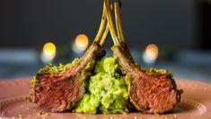Rezept: Lammkarree mit Kartoffel-Erbsen-Püree. Toll für Gäste, schnell & einfach. Weinempfehlung: Tempranillo Martín Berdugo Reserva