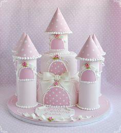 Deborah Hwang Cakes: Castle cakes verschillende kastelen!!