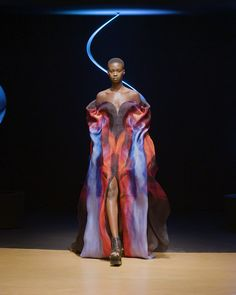 Fashion Art, Runway Fashion, High Fashion, Fashion Show, Fashion Outfits, Fashion Design, Fashion Details, Cool Outfits, Iris Van Herpen