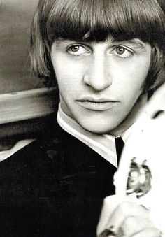 Ringo Starr -- I get by with a little help from my friends