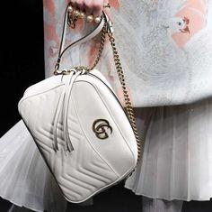 Shoulder bag in bianco e oro Gucci