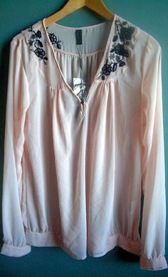 I bought this cute light-weight pink blouse from Vero Moda at CC Vest storsenter.