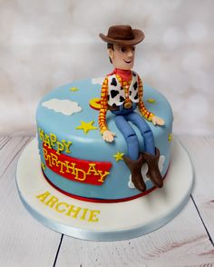 """you've got a friend in me!"" A fantastic toy story cake. Bright, fun and would make a great centerpiece at a party. #toystorycake #woddytoystorycake #youvegotafriendinmecake"