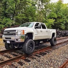 trucks chevy old Chevy Duramax, Chevy Diesel Trucks, Lifted Chevy Trucks, Classic Chevy Trucks, Gm Trucks, Chevrolet Trucks, Cool Trucks, Pickup Trucks, Chevy Pickups
