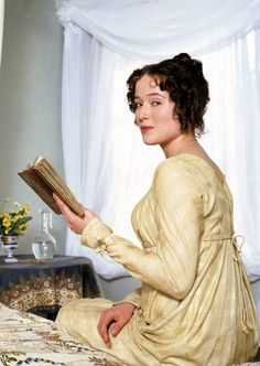 Jennifer Ehle as Elizabeth Bennet reading. Pride and Prejudice ). Jane Austen's classic novel about the prejudice that occurred between the century classes and the pride. Elizabeth Bennett, Miss Elizabeth, Elizabeth Bennet Quotes, Jane Austen Movies, Jane Austen Quotes, Colin Firth, Bbc, Female Book Characters, Infj Characters