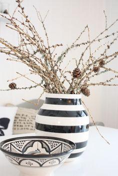 Black and white c-chic Decor White C, Vase, Colours, Chic, Lifestyle, Decoration, Home Decor, Xmas, Stripes