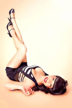 Modern Day Pin Up Girl:: Pin Up Girls:: Pin Up Poses
