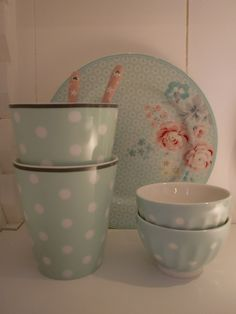 GreenGate Plate Lulu, Bowls Naomi Mint and Mugs from Krasilnikoff