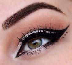 Eye Makeup, Eyeliner and Mascara Edgy Makeup, Makeup Eye Looks, Eye Makeup Art, Eyeshadow Makeup, Makeup Inspo, Makeup Inspiration, Hair Makeup, Glitter Eyeshadow, Makeup Ideas