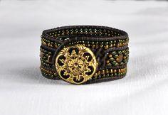 Lederarmband mit tschechischen Kristallen und Perlen, Vintage Bracelet, Manschette von BerlinBijou auf Etsy