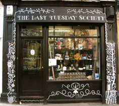 The Last Tuesday Society & Little Shop of Horrors: HACKNEY'S LEADING CURIOSITY SHOP - Hubbie and I saw The Theatre of Dolls here...interesting, innovative and a few cheeky exhibits!
