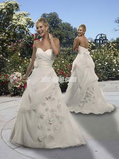 :-D beautiful wedding dress