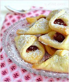 serowe-ciastka-kolaczki - I Love Bake Albanian Recipes, Croatian Recipes, Gourmet Recipes, Sweet Recipes, Cookie Recipes, Dessert For Dinner, Dessert Drinks, Kolaczki Recipe, Delicious Desserts