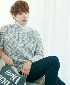 JIN turtleneck sweater
