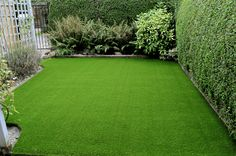 Natural Grass and Artificial Grass are the two options available to make your lawn good. Here is the difference between natural and artificial grass. Artificial Grass Price, Artificial Grass Balcony, Artificial Grass Installation, Fake Grass, Landscape Design Program, Lawn Turf, Synthetic Lawn, Types Of Grass, Lawn And Landscape