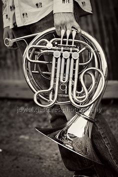 65 Ideas music photography pictures life for 2019 Band Pictures, Band Senior Pictures, Music Pictures, Senior Photos, Senior Portraits, Senior Boy Photography, Musician Photography, Band Photography, Senior Boy Poses