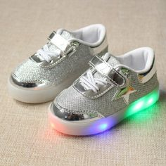 Kids Shoes 2016 New Toddler Autumn LED Luminous Children Casual Shoes Stars  Design Boys Girls Sneakers 615278e5afcd