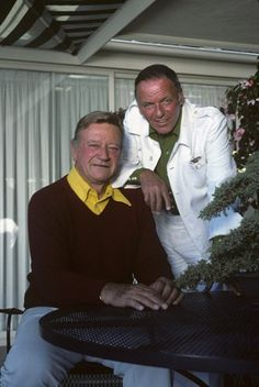 John Wayne and Frank Sinatra - Christmas in Hollywood photo. Hollywood Men, Vintage Hollywood, Hollywood Stars, Classic Hollywood, Hollywood Photo, Iowa, Kevin Costner, John Wayne Movies, Classic Movie Stars