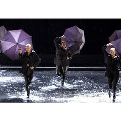 "Gwyneth Paltrow Singing in the Rain in GLEE ""The Substitute"" PICS ❤ liked on Polyvore featuring glee"