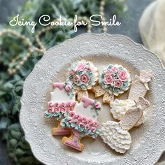 - Happy Wedding by Masumi (Icing Cookie for Smile) Anniversary Cookies, Wedding Cake Cookies, Spice Cookies, Cookie Box, Wedding Boxes, Cookie Desserts, Sugar And Spice, Cookie Decorating, Icing
