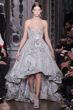 I'm really loving this kind of silhouette. I saw several girls pull it off at my school's winter formal. Giles Deacon Fall 2012