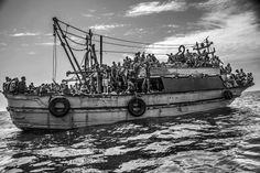 Le foto di Francesco Zizola premiate al World Press Photo - Il Post Going Fishing, Fly Fishing, World Press Photo, Fishing For Beginners, Fishing Vessel, Fishing Photography, Without Borders, Photos 2016, Photo Report