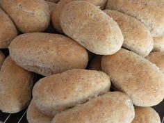 Grunndeig grove brød og rundstykker