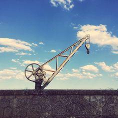 "20 Me gusta, 1 comentarios - javier (@verdecasirojo) en Instagram: ""#crane #old #vsco #grua #antigua"""