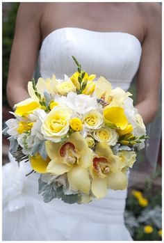 Wedding Bouquets www.mossfinefloral.com Yellow, gray and white palette. http://eddiesphotography.com/