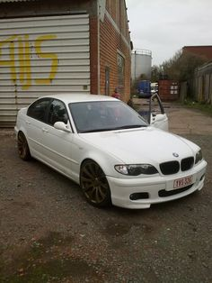 bmw e46 white sedan tMnHzGsiN