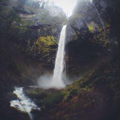 Elowah Falls in Cascade Locks, OR
