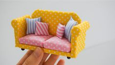 1 million+ Stunning Free Images to Use Anywhere Doll House Crafts, Diy Home Crafts, Miniature Furniture, Dollhouse Furniture, Diy Dollhouse, Dollhouse Miniatures, Diy Barbie Furniture, Barbie House, Diy Toys