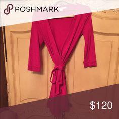 Diane Von Furstenberg Wrap Dress Size 8 Diane Von Furstenberg Wrap Dress Size 8 long Sleeve Diane von Furstenberg Dresses Midi
