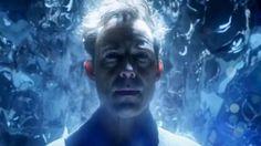 Harrison Wells przybywa na Ziemię 1 w serialu The Flash. Przeczytajcie recenzję. Zaskoczy was.