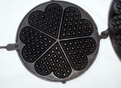 ANTIQUE CAST IRON WAFFLE MAKER FUN OLD FASHIONED WAY VINTAGE SWEET HEART PATTERN in Collectibles   eBay