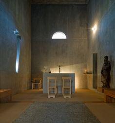 Capela - Quinta de Santo Ovídio Santo Ovídio Chapel  Lousada , Pt 2002 © Fernando Guerra, FG+SG Architectural Photography
